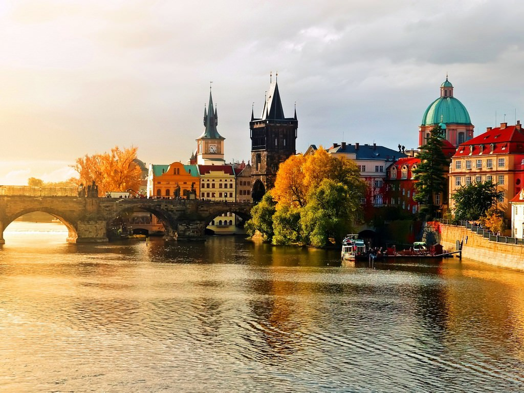 Путешествовать лучше осенью
