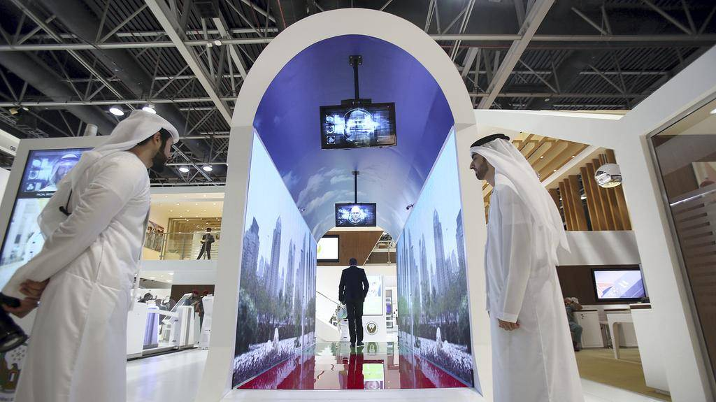 В аэропорту Дубаи появятся биометрические тоннели
