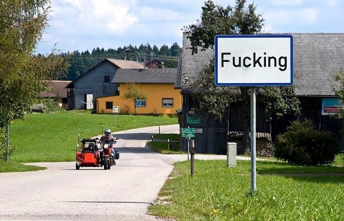 Австрийскую деревню с неприличным названием не могут переименовать: нужное имя занято