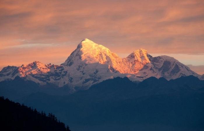 Джомолхари - самая высокая гора в стране