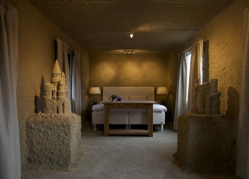 В Нидерландах открыли первый в мире отель из песка