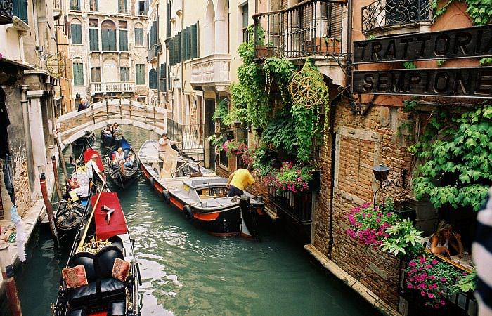 Google Street View представил новый сервис: прогулки по Венеции