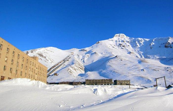 В Арктике есть поселок, где живет единственный житель