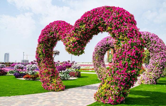 Тоннель из сердец