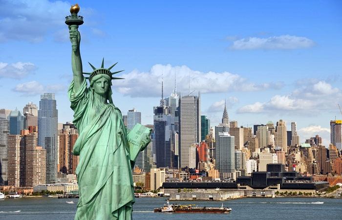 Статую Свободы снова открыли для туристов